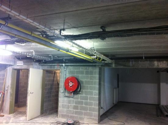 Canalisations dans immeuble à appartement