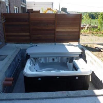 spa encastré dans la terrasse