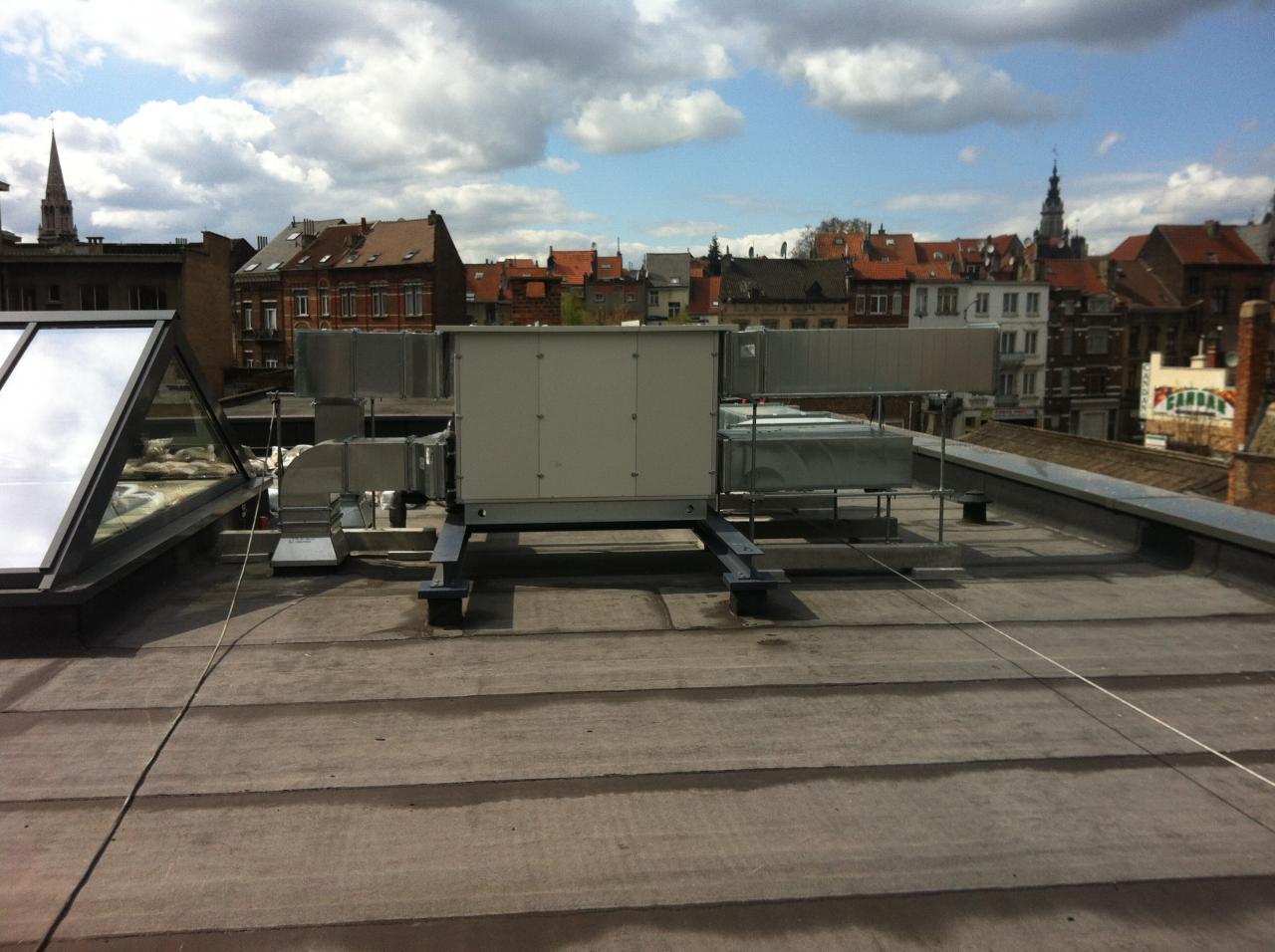 Groupe Lemmens installé en toiture